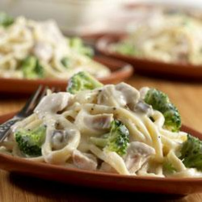 Campbell's® Turkey and Broccoli Alfredo