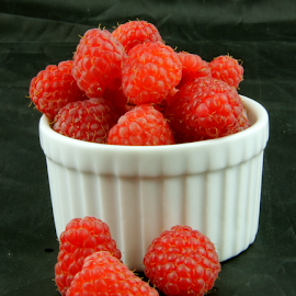 Red Berries  by Dennis Robertson - Food & Drink Fruits & Vegetables ( raspberries,  )