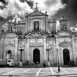 by Lino Chetcuti - Buildings & Architecture Places of Worship