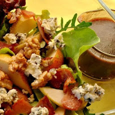 Gorgonzola Pear Salad With Merlot Shallot Dressing