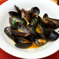 Dinner Tonight: Mussels with Paprika