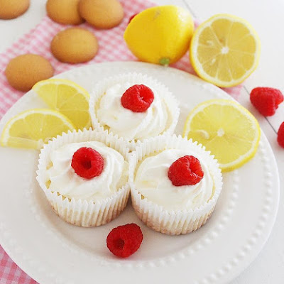 Skinny Lemon Cheesecake Yogurt Cupcakes