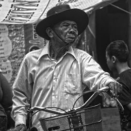 Old Man by Pandjie Satrio - People Portraits of Men ( indonesia, human interest, old man, pasar gawok, gawok market )