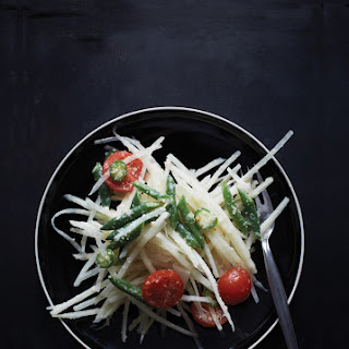 Thai-Style Green Papaya Salad