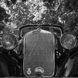 Clear and Present Danger. by Francisco García Ríos - Transportation Automobiles ( car, 170, españa, recesvintus, coche, albacete, mercedes, classic, clásico, spain )