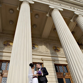 At the columns by Nicu Buculei - Wedding Bride & Groom ( columns, couple, bride, groom, weedding,  )