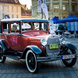 Old Car by Mihai Popa - Transportation Automobiles ( raliul sibiului, romania, piata mare, sibiu )