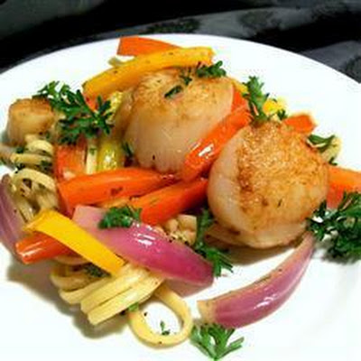 Pan Seared Scallops with Peppers and Onions in Anchovy Oil