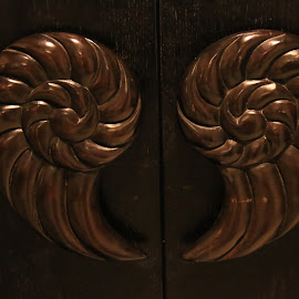 Cupboard Handle by Michael Loi - Artistic Objects Furniture ( cupboard handle )