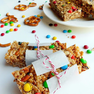 No-Bake Peanut Butter Pretzel M&M Granola Bars