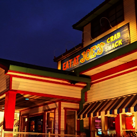 Eat at Joe's by Brian Amick - Buildings & Architecture Other Exteriors ( building, exterior, colors, night, nightscape )