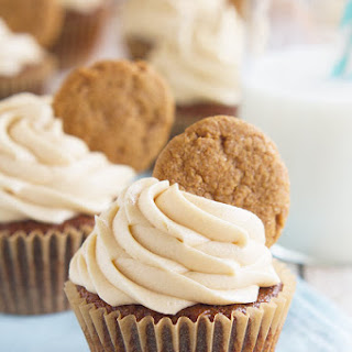 Gingerbread Cookie Cupcakes