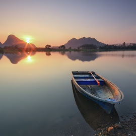 Nature by Anuar Che Hussin - Transportation Boats