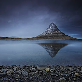 Kirkjufell Mountain  by Fokion Zissiadis - Landscapes Mountains & Hills ( landscape kirkjufell iceland )