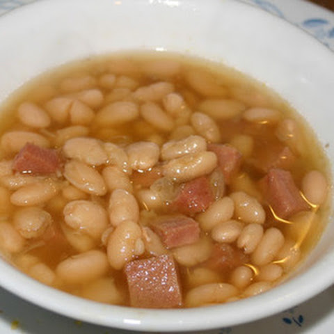 Old Fashioned Bean Soup