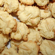 Almond 'N Coconut Meringue Macaroons