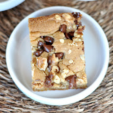Walnut Chocolate Chip Blondies