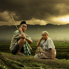 old and dusk by Alamsyah Rauf - People Family ( people )
