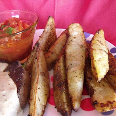 Spicy Potato Wedges With Chili Dip