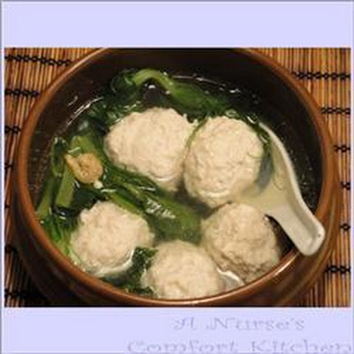 Chinese New Year tofu and pork ball soup (He jia tuan yuan)