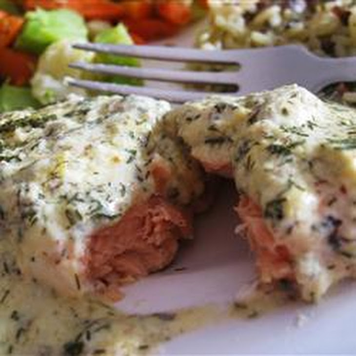 Salmon Fillets with Creamy Dill