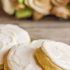 Soft Pumpkin Cookies With Maple Cream Cheese Frosting