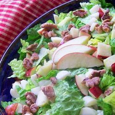 Apple, Brie and walnut salad