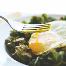 {Sunny Side Up} Sea Salt + Vinegar Kale Chips