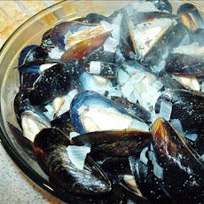 Mussels W/White Wine and Creme Fraiche