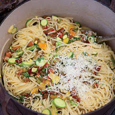 Linguine with Tomatoes, Baby Zucchini and Herbs