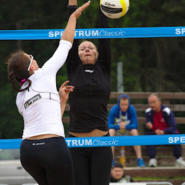 Beach volley by Simo Järvinen - Sports & Fitness Other Sports ( playing, volleyball, beach volley, sports, women )