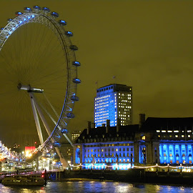 Lonesome blue night by The Man in the Maze - City,  Street & Park  Vistas ( london eye, england, uk, london, southbank )