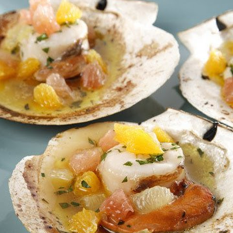 Grilled Scallops in the Half Shell with Citrus Fruits and White Wine