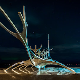 Sun Voyager  and Yogos peace pole by Þórir Þórisson - Buildings & Architecture Statues & Monuments ( canon, iceland, night photography, blue, reykjavik, long exposure, sólfarið )