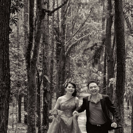 Run...Run...Run... by Arif PhotoClick - Wedding Bride & Groom