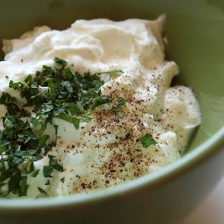 Tzatziki (Low Fat Yogurt & Cucumber Dip)
