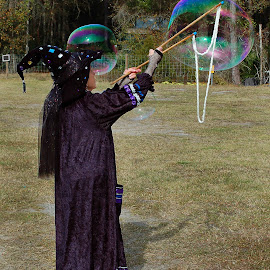 Bubbles by Philip Molyneux - People Musicians & Entertainers (  )