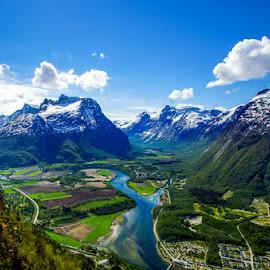 by Sverre Sebjørnsen - Landscapes Mountains & Hills ( #sveoseb )