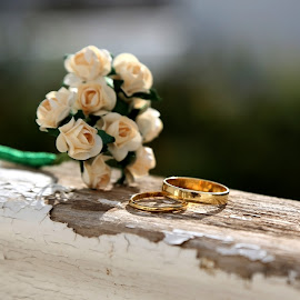 The rings for just married by Ecaterina T. - Wedding Details ( great event, mutual respect, balustrade, understanding, the rings for just married, love, wooden, wedding, family, future, bunch of white roses, celebration, passion )