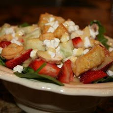 Spinach, Strawberry and Cashew Salad