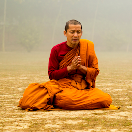 Total Submission by Rajesh Kumar Gupta - People Portraits of Men ( prayer, monk, faith, buddhist, varanasi, sarnath )