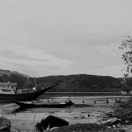by Saatdul Ibat - Landscapes Beaches ( black and white, b&w, landscape )