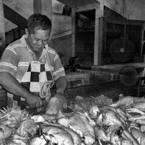 Real Killer  by Ngatmow Prawierow - Instagram & Mobile Other ( indonesianpeople, bw, zizigallerydotcom, kofipon, candid, people, banjarnegara, nokian8, streetphoto )