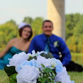 Brides flowers by Michelle Cawthon - Wedding Bride & Groom ( wedding, flowers )