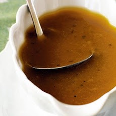 Easy and Rich Turkey Gravy
