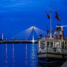 by Izzy Kapetanovic - Transportation Boats ( vienna, dinner boat, boat, danube, austria )