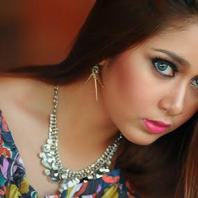 Z A H I R A by Amin Basyir Supatra - People Portraits of Women ( bali, girl, casual, beautiful, beauty, portrait )