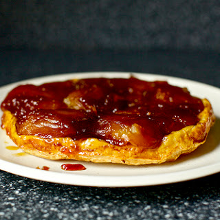 Apple Tarte Tatin [Upside-Down Caramelized Apple Tart]