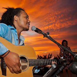 Guitaris by Theo Widharto - People Musicians & Entertainers ( reggae style, solo guitaris, guitaris, sunset, people,  )