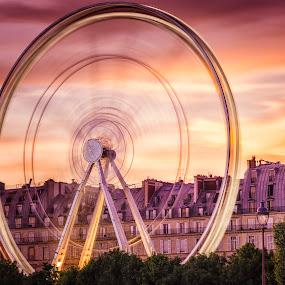 La roue infernal 2 by Serge Thonon - City,  Street & Park  Amusement Parks